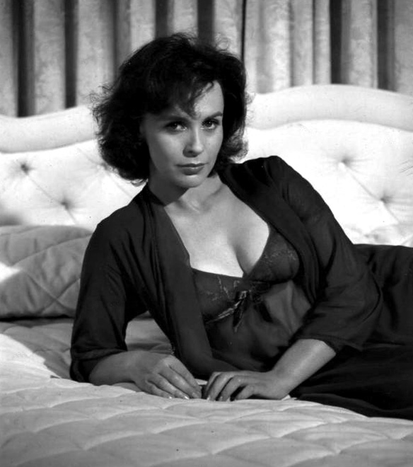 claire bloom 10.jpg